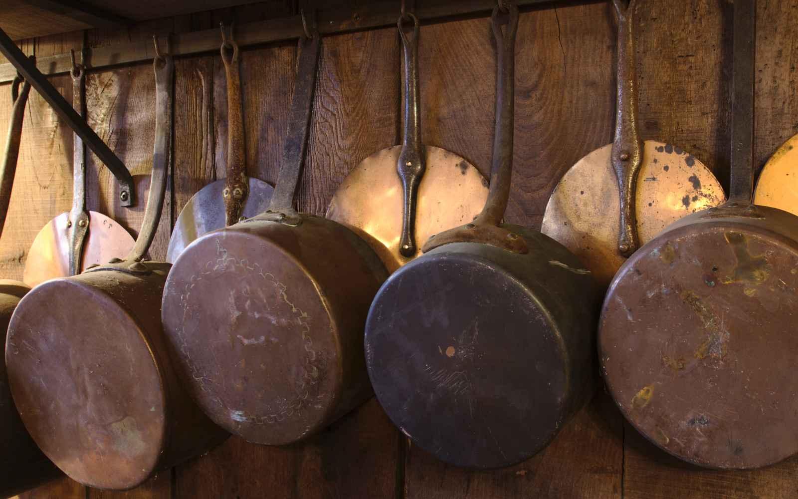 Copper pots and lids